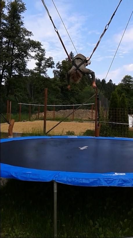 44.trampolina salto